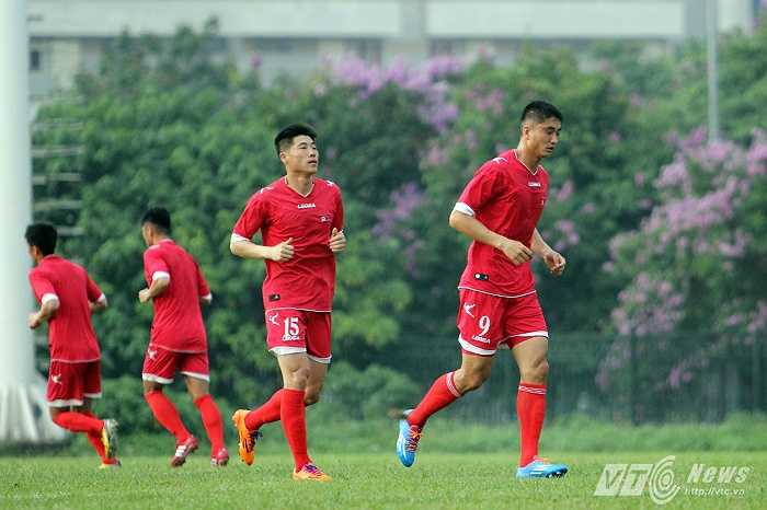 Hậu vệ cánh trái Jon Kwang-ik là cầu thủ từng kinh qua nhiều giải đấu lớn như giải vô địch U17 thế giới 2005, U20 thế giới 2007, VCK World Cup 2010, Asian Cup 2011, AFC Challenge Cup 2012...
