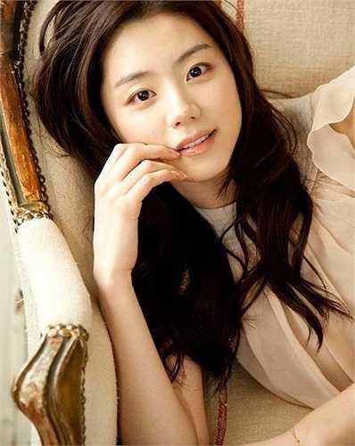 Park Soo Jin được nhận xét là mỹ nhân đẹp tự nhiên, không 'dao kéo'.
