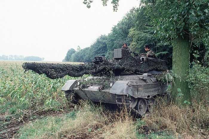 Đức. Số binh lính: 179.000 Số tiền chi cho quân sự: 40 tỷ USD. Thực tế sức mạnh quân sự của quốc gia châu Âu này không còn ổn định như trước khi họ dựa khá nhiều vào nguồn nguyên liệu đến từ Nga và Nga thì đang khủng hoảng trầm trọng