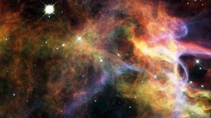Tinh vân Veil, cách Trái đất 1.500 năm ánh sáng gợi liên tưởng đến những bí ẩn vũ trụ rợn người.