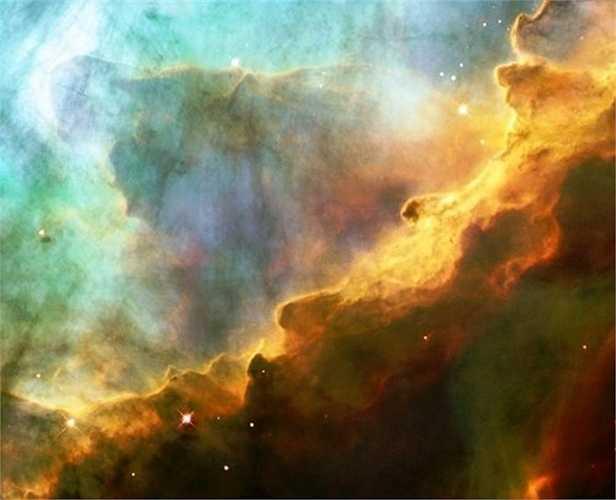 Những cơn bão khí trong tinh vân Thiên Nga tạo thành hình thù như những con quái vật.