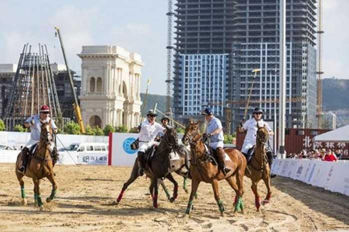Polo được mệnh danh là trò chơi vua chỉ phải dành cho những vị vua, rất được ưu chuộng bởi giới thượng lưu Trung Quốc.