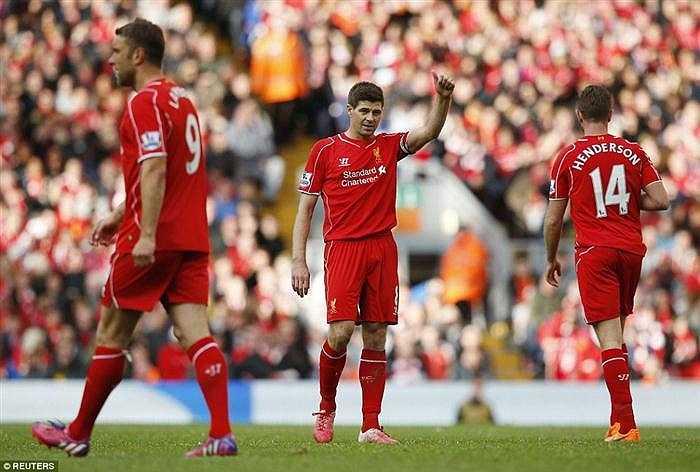 Hình ảnh cuối cùng của Gerrard trên sân Anfield