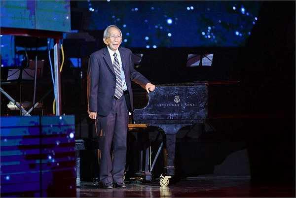 Trong sự nghiệp của mình, Nguyễn Ánh 9 có rát nhiều ca khúc nổi tiếng, gắn bó với rất nhiều thế hệ, như ca sĩ Lê Hiếu, anh chia sẻ, đã được bố cho nghe nhạc Nguyễn Ánh 9 từ nhỏ và rất say mê nhạc của ông