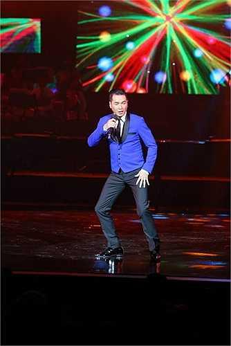 Cũng trong đêm diễn, lần đầu tiên 3 ca khúc nổi tiếng của nhạc sĩ Nguyễn Ánh 9: Bơ vơ, cô đơn, tiếng hát lạc loài được làm mới bằng một liên khúc do Đức Long, Kim Tiến và ca sĩ Ngọc Châm diễn