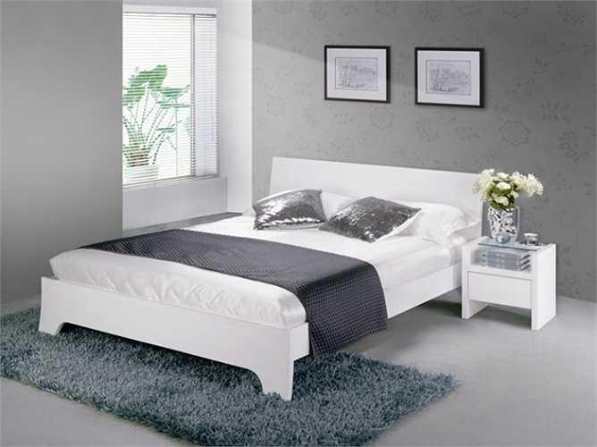 Không nên đặt giường ngủ của hai vợ chồng ngay dưới một cây xà, mà cây xà này 'chia đôi' giường ngủ của hai vợ chồng ngay ở giữa theo chiều dọc. Đó là biểu hiệu một sự chia cắt có thể xảy đến trong tương lai nếu không biết những cách để hóa giải.