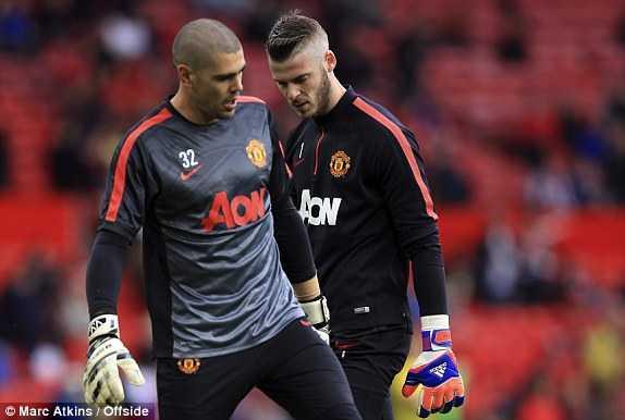 Valdes hoặc De Gea sẽ rời Man Utd cuối mùa?