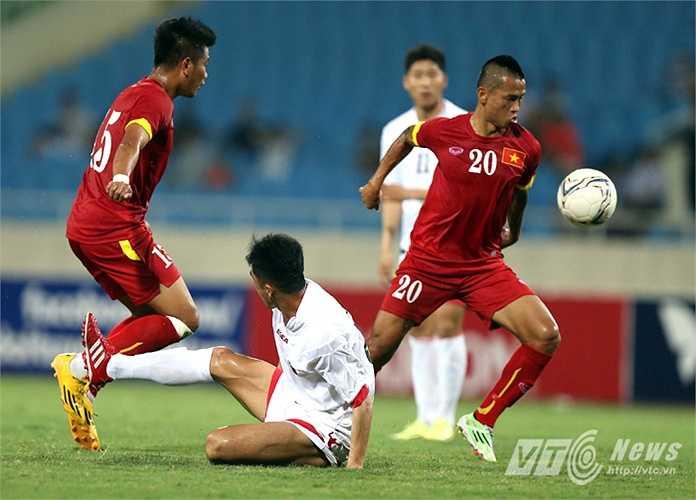 Khánh Lâm cùng với Minh Châu cho thấy sức bền và độ dũng mãnh ở hàng tiền vệ. (Ảnh: Quang Minh)