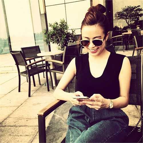 Hoàng Thùy Linh trong một shoot ảnh ngày cuối tuần.