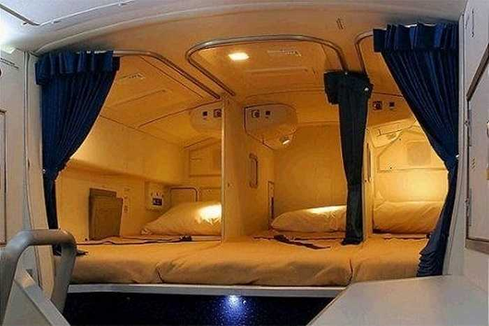 Phòng ngủ của tiếp viên nữ thuộc hãng bay Hoàng Gia Hà Lan KLM.