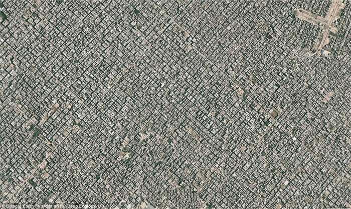 Hình ảnh New Delhi, Ấn Độ với dân số 22 triệu được nhìn từ trên cao, mật độ hơn 15.000 người/1 km2.