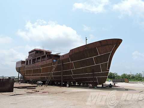 tàu hậu cần, nghề cá, khủng nhất, Việt Nam, hạ thủy, Lý Sơn, ngư dân