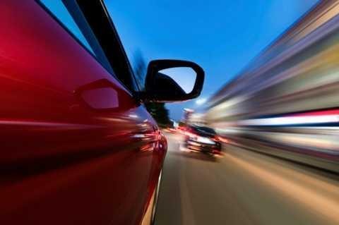 """10 quốc gia có luật giao thông 'kỳ dị"""" nhất thế giới"""