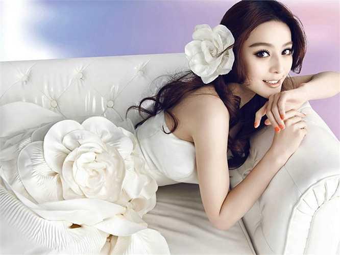 'Võ Tắc Thiên' được đánh giá có gương mặt đẹp gần như hoàn hảo với làn da trắng sứ không tỳ vết.