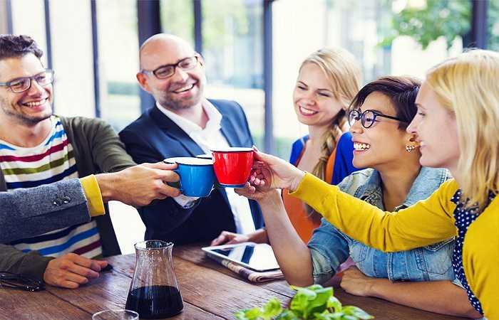 Nụ cười: Đừng nên quá quan trọng hóa vấn đề, hãy cố gắng cải thiện khả năng đối mặt với những tình huống căng thẳng bằng cách nhìn vào khía cạch hài hước, khía cạnh tích cực của mọi vấn đề. Nếu trời đẹp, bạn có thể nằm dài ra bãi cỏ và ngước nhìn lên bầu trời, vì điều đó cho phép những hình ảnh và suy nghĩ tích cực xâm chiếm tâm trí.