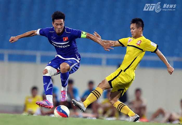 Sự trở lại của cầu thủ được xem là phát hiện lớn nhất dưới thời Miura sẽ giúp ông thầy người Nhật yên tâm hơn với tuyến giữa của U23 Việt Nam cho SEA Games sắp tới. Huy Hùng còn được triệu tập lên tuyển Việt Nam.