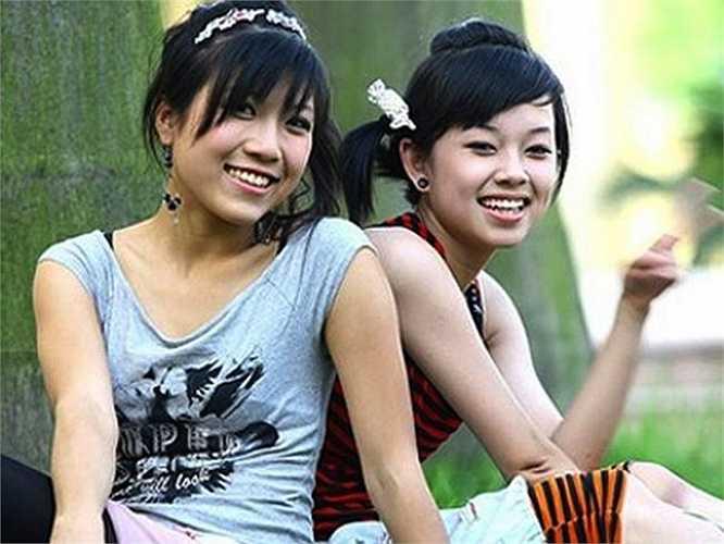 Trước khi được biết tới với vai trò ca sỹ, Trang Pháp từng làm 'mất lòng' không ít khán giả khi vào vai một cô nàng đanh đá, kiêu kỳ trong 'Nhật ký Vàng Anh'