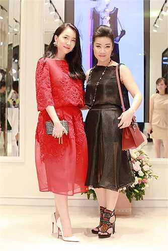 Ngoài việc là một nhà thiết kế thời trang, NTK Võ Thùy Dương là còn là một nghệ sỹ của Nhà hát Múa rối Thăng Long