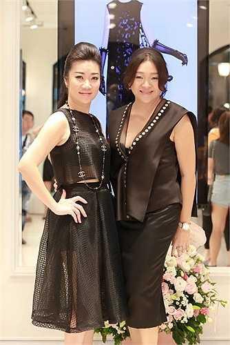Những bộ trang phục ấy phải mang đậm nét văn hóa Việt nhưng vẫn trẻ trung, năng động và gợi cảm, phù hợp với từng lứa tuổi.
