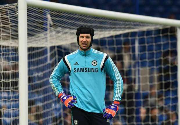 Đi hay ở lại Chelsea, tùy thuộc vào Cech