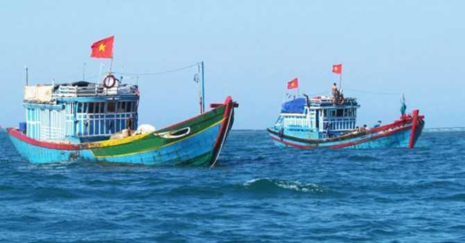 Ngư dân Việt Nam vươn khơi đánh cá