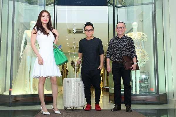 Trương Ngọc Ánh, NTK Nguyễn Công Trí đã có mặt tại sân bay để sang Pháp tham dự sự kiện