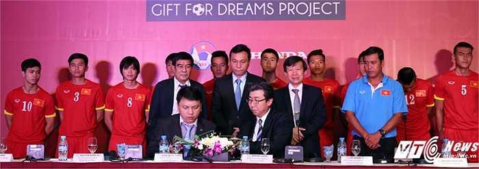 Phía Honda hỗ trợ kinh phí cho ĐTVN, U23 Việt Nam và tuyển nữ Việt Nam mà không quan trọng về thành tích. (Ảnh: Phạm Thành)