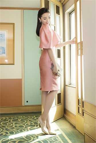Sáng 19/5, Hoa hậu Kỳ Duyên đã có mặt tại TP.HCM để tham gia một sự kiện.
