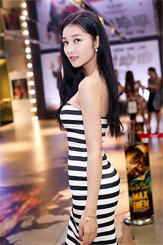 Sau những ồn ào quanh việc trả lại vương miện Hoa hậu các dân tộc Việt Nam, Triệu Thị Hà tái xuất rạng rỡ.