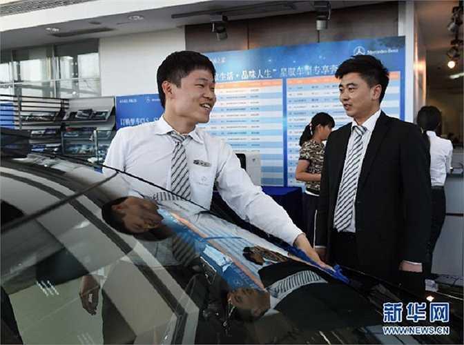 Mới đây, Liu đã được bổ nhiệm làm quản lý bán hàng của công ty với mức thu nhập tháng rất đáng ngưỡng mộ, trên 20.000 tệ (hơn 70 triệu đồng).