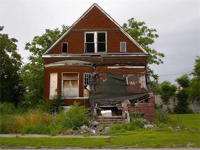 Cựu trưởng Hiệp hội quốc gia các nhà kinh tế  Realtors David Lereah xuất bản cuốn sách 'Tại sao sự bùng nổ bất động sản sẽ không đổ vỡ - Và làm thế nào bạn kiếm lời từ nó' vào đầu năm 2006, thì năm sau bất động sản 'vỡ trận'. (Trần An)