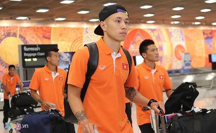 ĐT Việt Nam tới Thái Lan lần này với 22 tuyển thủ. Trước đó, HLV Miura đã sang Bangkok theo dõi trận đấu Thái Lan - CHDCND Triều Tiên để có những kế sách hợp lý. Ngày 23/5, Huỳnh Tấn Tài và Hữu Dũng của đội U23 cũng sẽ bay sang để bổ sung vào danh sách đối đầu với các cầu thủ Thái Lan.