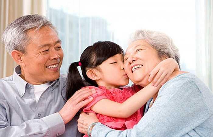 Chống lão hóa: Dược liệu này làm tăng cung cấp và chuyển tải oxy, tăng lưu thông máu, tăng cường khả năng hấp thu dưỡng chất của tế bào, phân huỷ, trung hoà chất thải và độc tố trong cơ thể, duy trì môi trường cơ thể lành mạnh, ngăn chặn lão hoá, kéo dài tuổi thọ.