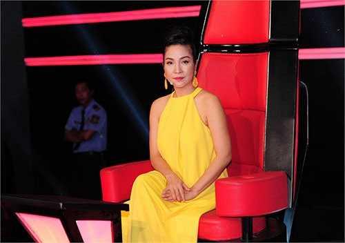 Trở thành 1 trong 4 vị HLV của The Voice Việt mùa thứ 2, sự xuất hiện của Mỹ Linh ngay từ những tập đầu đã được công chúng quan tâm.
