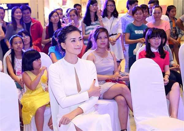 Diễn viên Ngô Thanh Vân đã cùng tham gia một sự kiện chăm sóc da tại TP HCM. Trong đó, 'đả nữ' đã chia sẻ những bí quyết làm đẹp của mình cho khán giả.