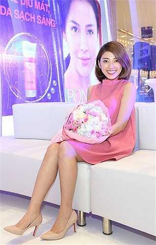 Yumi Dương được khán giả biết đến với vai trò dẫn chương trình The Voice Việt 2013, Chuyện đêm muộn. Ngoài ra, Yumi cũng tham gia một số dự án phim truyền hình như Váy hồng tầng 24, Phía cuối con đường.