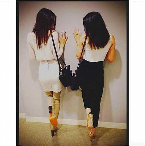 Kendall và Kylie đọ vòng ba 'khủng'.