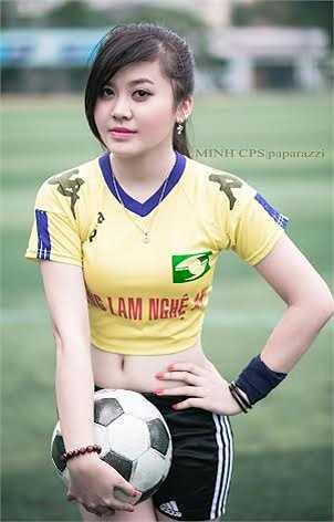 Hiện tại, Huyền Trang đang là sinh viên năm nhất, khoa Luật học, Đại học Luật Hà Nội.