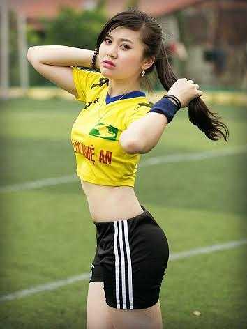 Đội bóng mà cô bạn yêu thích là Sông Lam Nghệ An.