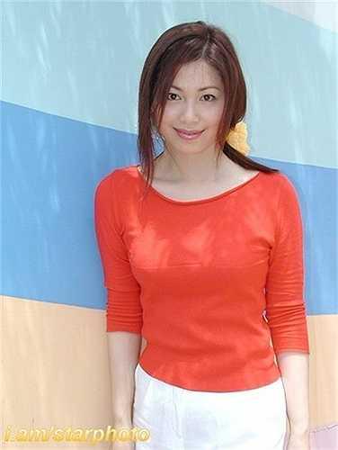 Tần Hồng Miên do nữ diễn viên Phùng Hiểu Văn đóng, cô vốn là diễn viên của đài TVB và mới kết thúc hợp đồng với đài năm 2003. (Nguồn: Dân Việt)