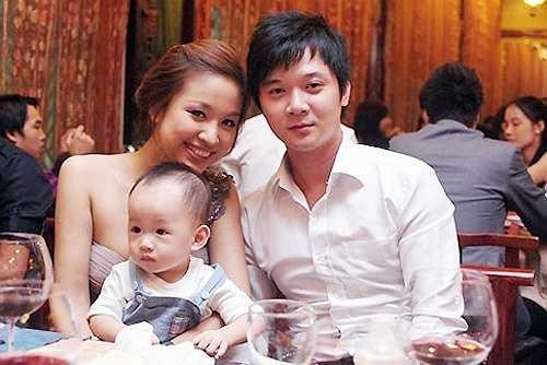 Thanh Vân Hugo lên xe hoa vào năm 2008. Sau đó, cô đi du học và sinh con. Từng được coi là một trong những cặp đôi đẹp của làng giải trí, nhưng cặp đôi Thanh Vân và Tường Linh bất ngờ ly hôn sau 4 năm chung sống.