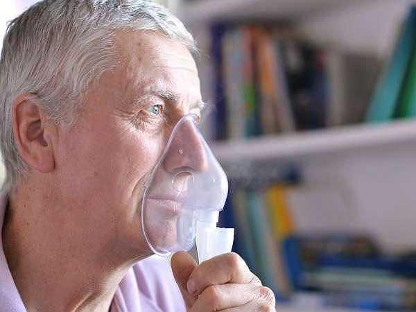 Khó thở: Trung tâm hô hấp nằm trong não, vì vậy khi một người phải trải qua một cơn đột quỵ sẽ cảm thấy khó thở và nhịp tim tăng.