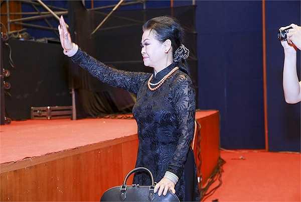 Chương trình bên cạnh những tác phẩm của nhạc sĩ Trịnh Công Sơn trong những live concert trước, sẽ còn nhiều tác phẩm của các nhạc sĩ nổi tiếng khác, cũng như sự kết hợp, chung giọng của danh ca Khánh Ly cùng 4 nữ ca sĩ tên tuổi của nhạc nhẹ Việt Nam.