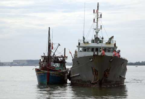 cứu nạn, tàu cá, trên biển, Hoàng Sa, Hải quân, Đà Nẵng, ngư dân