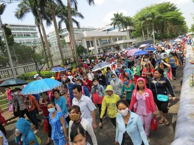 Trong 2 ngày 26-27/3, gần 90.000 công nhân Cty TNHH PouYuen Việt Nam (Q.Bình Tân, TPHCM) đã đình công phản đối các quy định tại điều 60, Luật Bảo hiểm xã hội 2014