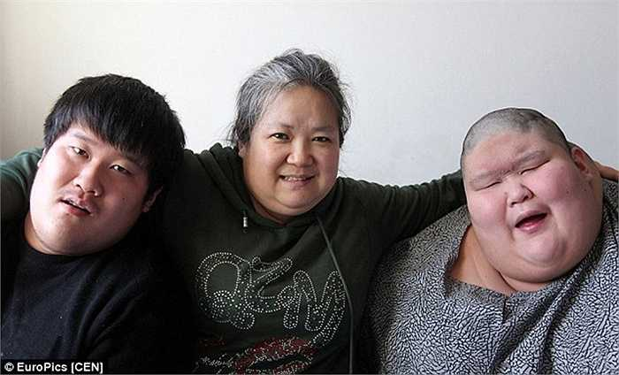 Bà Ma Zhiqiu, từ bỏ công việc để về sống trong gia đình chăm sóc 2 người con bị bệnh