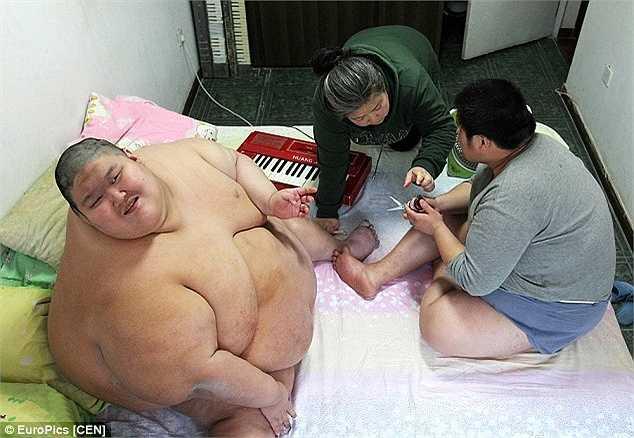 Hiện giờ, bà Ma Zhiqiu đã 47 tuổi nhưng hàng ngày vẫn tất bật với công việc chăm sóc 2 cậu con trai sinh đôi.
