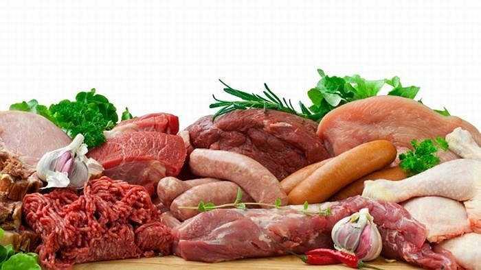 4. Không nên ăn quá nhiều thịt: Thịt là thực phẩm không thể thiếu trong chế độ dinh dưỡng, tuy nhiên, hàm lượng không nên vượt quá 10% các nguồn năng lượng cung cấp mỗi ngày.