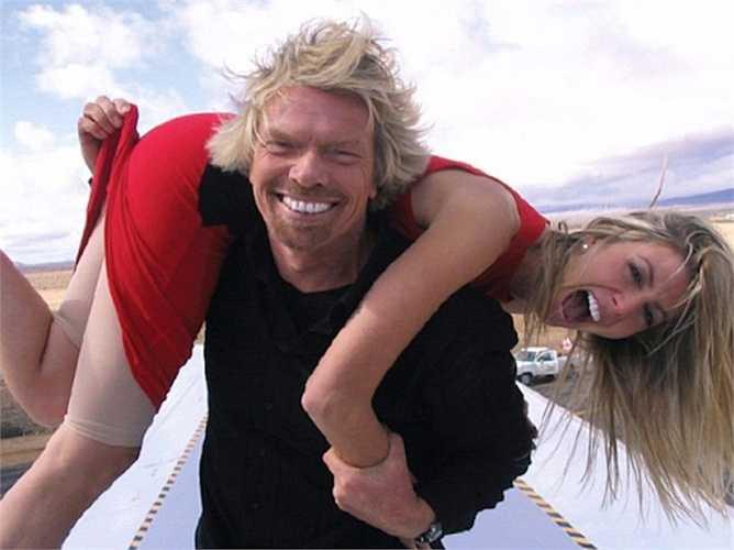 Cô bắt đầu nổi tiếng khi xuất hiện trên chương trình truyền hình của Richard Branson, năm 2004.