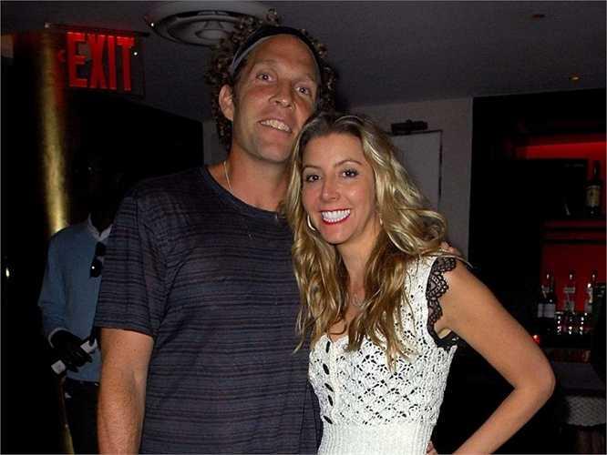Năm 2008, cô cưới Jess Itzler, người đồng sáng lập Marquis Jet, ở Boca Grande, Florida.